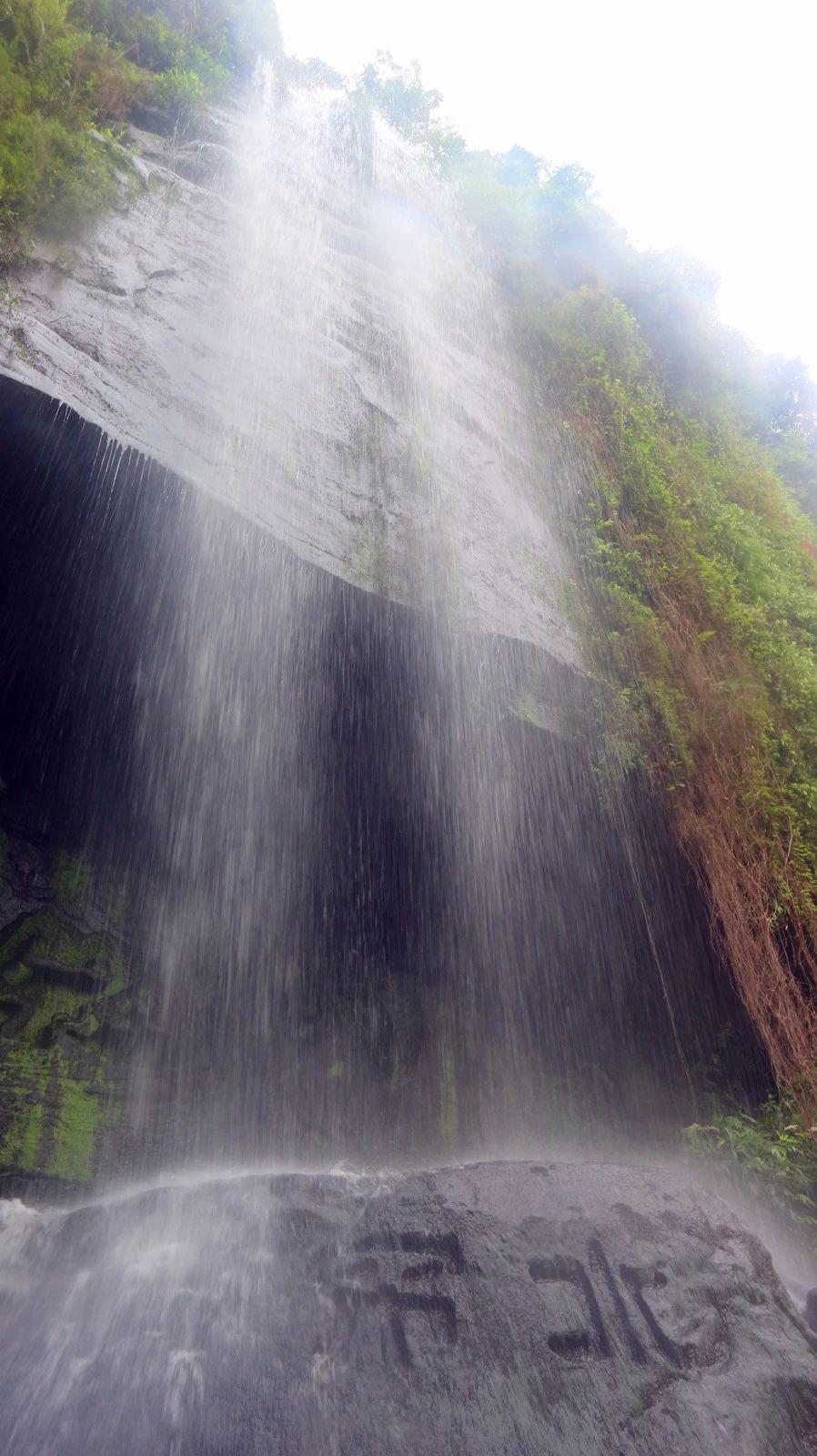 壁纸 风景 旅游 瀑布 山水 桌面 898_1600 竖版 竖屏 手机
